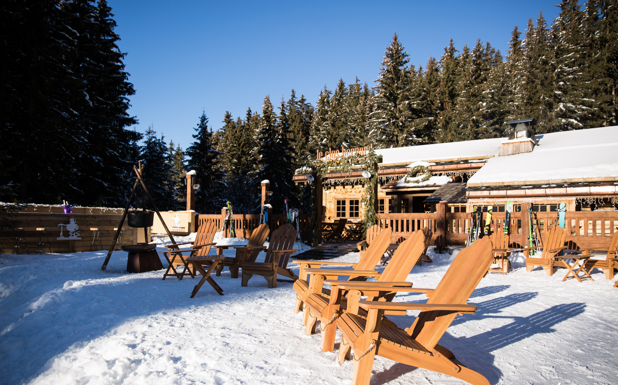Chalet Le Lapin Blanc Meribel restaurants in the three valleys ski resort - fish&pips