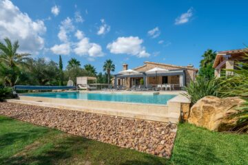 About our serviced villas in Mallorca...