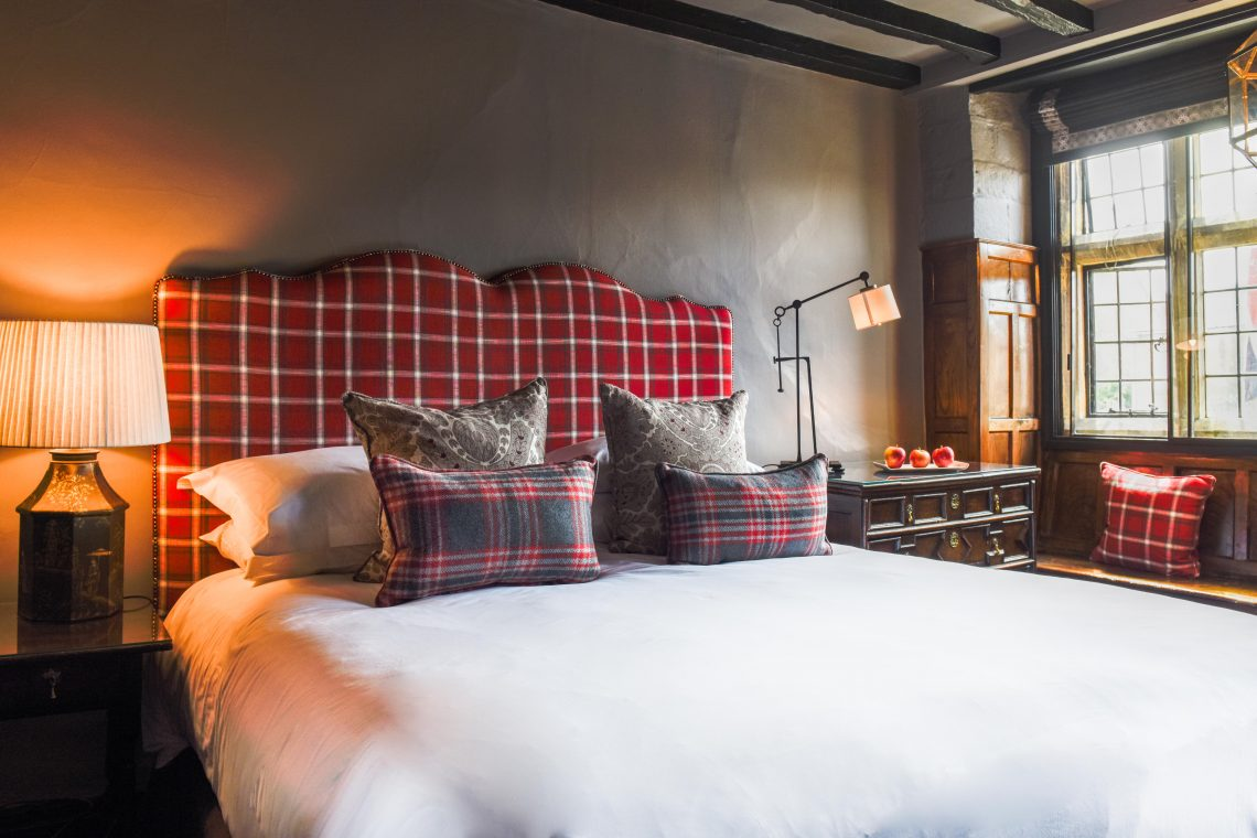 The Lygon Arms Deluxe Room (2)