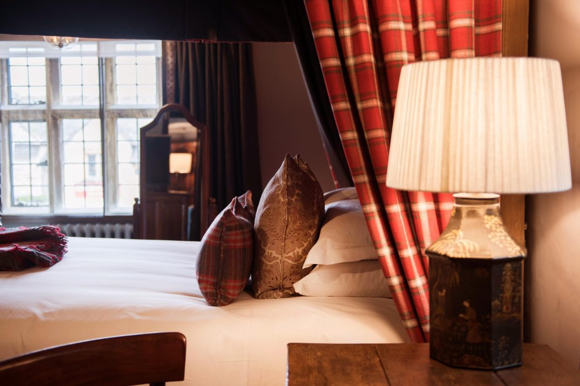 The Lygon Arms Master Suite_Charles I (4)